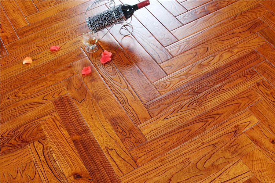 安装地暖,选实木地板还是瓷砖?