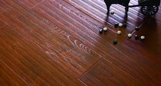 福人地板是几线品牌?