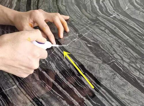 大理石桌面有裂缝修复步骤图2