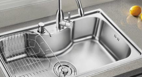 水槽溢水口要怎么安装?