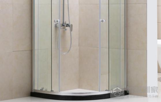 淋浴隔断有什么材质?