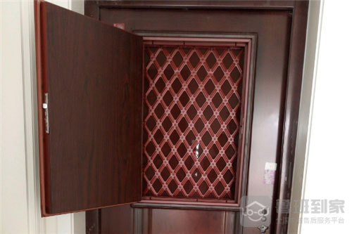防盗门改装通风窗装上面好还是下面好