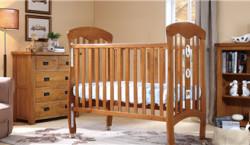 小硕士婴儿床